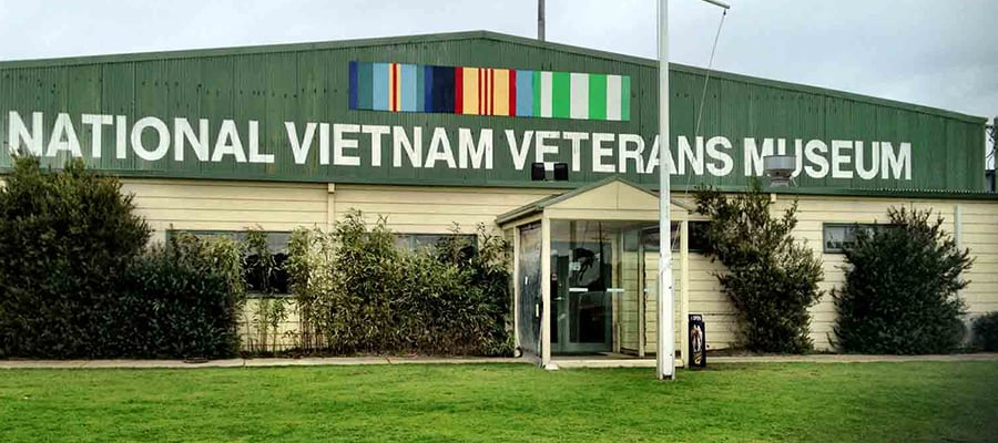 "alt=""front entrance of National Vietnam Veterans Museum"""