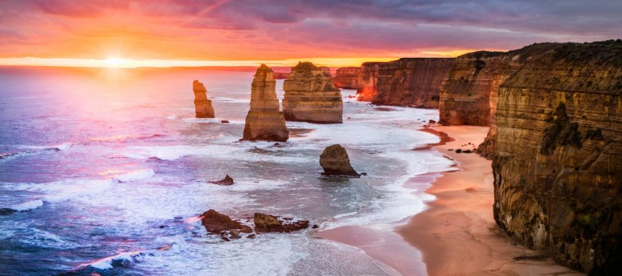 "alt=""Sunset at 12 Apostles"""