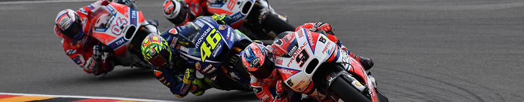 Riders turning the corner at Japan MotoGP™ - 2019 Japan MotoGP™ Travel Packages & Tours