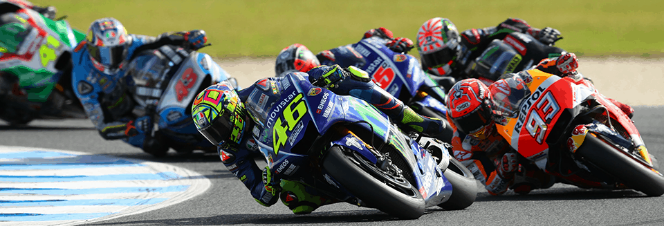 """alt=""""Riders turning the corner at the Australian Motorcycle Grand Prix 2018"""""""