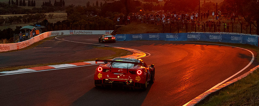 Supercar racing at the Bathurst 12 Hour - 19 Reasons to go to the Bathurst 12 Hour